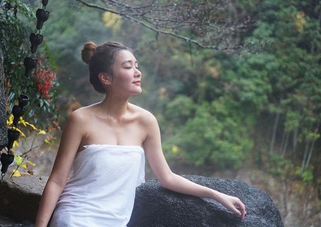 nu mc chuyen mac bikini dan song gay sot xu cang thom