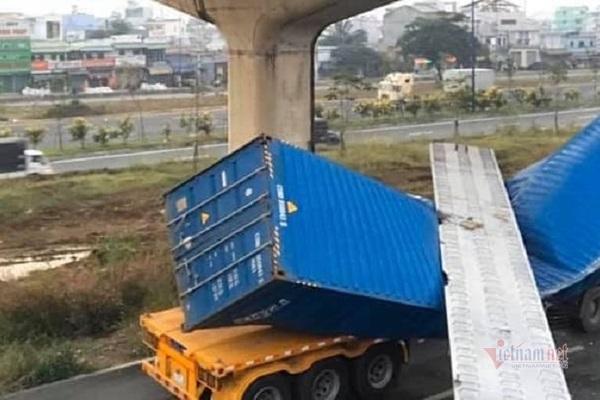vi sao xe container cao 42m keo sap dam cau bo hanh cao 43m