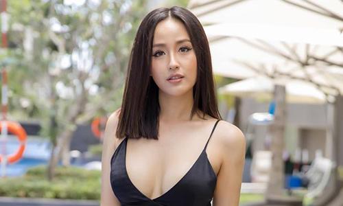 mai phuong thuy chuong vay ao ho nguc