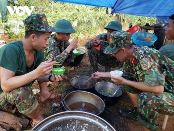 Nhường nhà, chia lương thực cho các chiến sĩ làm nhiệm vụ tại Trà Leng
