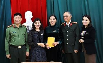 Công ty Thời Mới hỗ trợ bà con vùng lũ tỉnh Hà Tĩnh