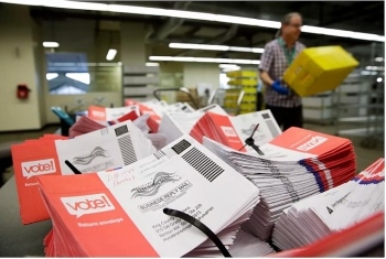 Bầu cử Mỹ: Yêu cầu kiểm tra phiếu bầu qua thư bị chậm trễ