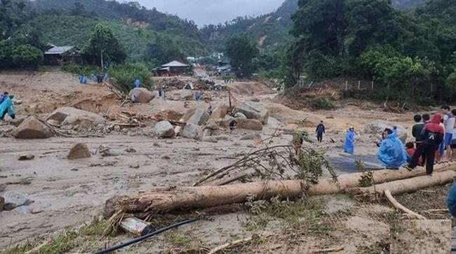 Hệ lụy sang chấn tâm lý với người dân đi qua thảm họa lũ lụt, sạt lở: Giải mã nỗi ám ảnh và cách hóa giải những nguy cơ