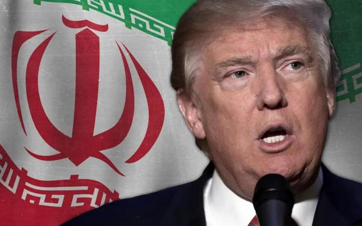Tổng thống Trump trên hình nền quốc kỳ Iran. Ảnh: Facebook.