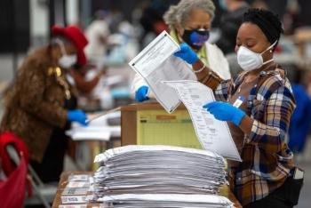 Sau loạt lỗi, kết quả kiểm phiếu lại ở bang chiến trường Georgia ra sao?