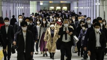"""""""Áp lực đồng trang lứa"""" khiến nhiều người Nhật tự tử trong đại dịch"""