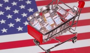 Ca mắc COVID-19 tăng kỷ lục, Mỹ tiết lộ kế hoạch tiêm chủng vaccine thần tốc