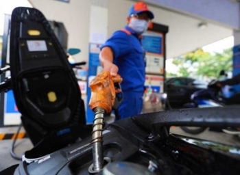 Điều chỉnh lần cuối trong năm 2020, giá xăng tiếp tục tăng, lên cao nhất 9 tháng