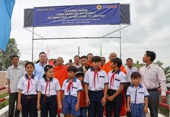 Vietbank khánh thành cầu Tập đoàn 2 cho người dân xã Thạnh Phú