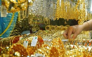 Giá vàng 30/12: Vàng đã đảo chiều?
