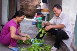 nhan vien thu thue khieu nai lam viec 168 thang khong luong