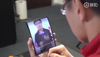 Xiaomi cho ra mắt smartphone gập đôi đầu tiên trên thế giới?