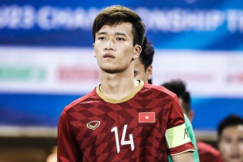 Quang Hải đi qua 3 cầu thủ Thái Lan, chuyền cho Hoàng Đức ghi bàn