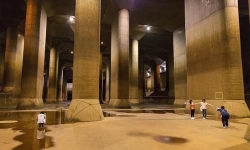 Hệ thống bể ngầm giúp Tokyo đối phó lũ lụt.