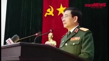 Tướng Giang nghẹn ngào báo tin vụ sạt lở đất khiến hơn 20 chiến sĩ mất tích