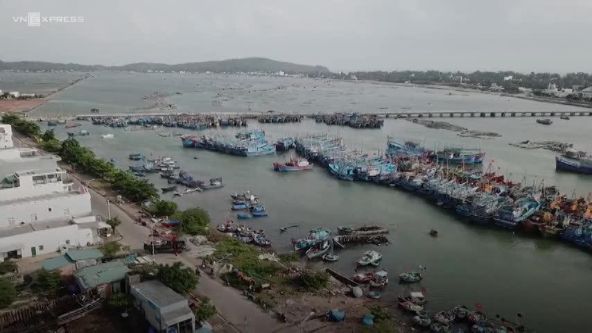 Miền Trung sơ tán 450.000 người tránh bão Molave