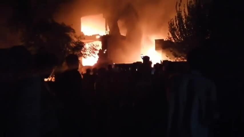 Hiện trường tai nạn máy bay quân sự Pakistan sáng 30/7.