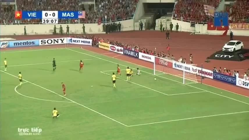 Video: Quang Hải ghi siêu phẩm, tuyển Việt Nam dẫn 1-0